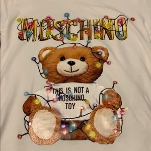 This is not a moschino toy tshirt